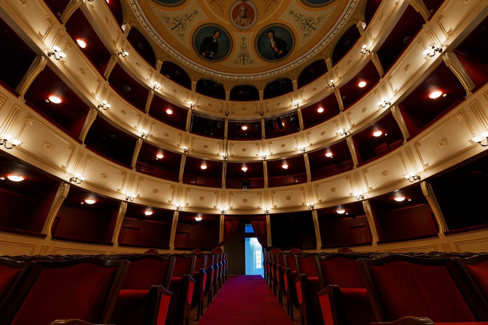 Syros_Interior of Apollo Theater