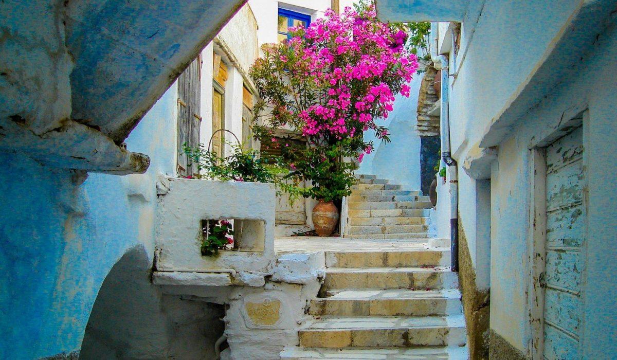 Kardiani Village, Tinos island - Cyclades Greece - Imagen shutterstock_549367657