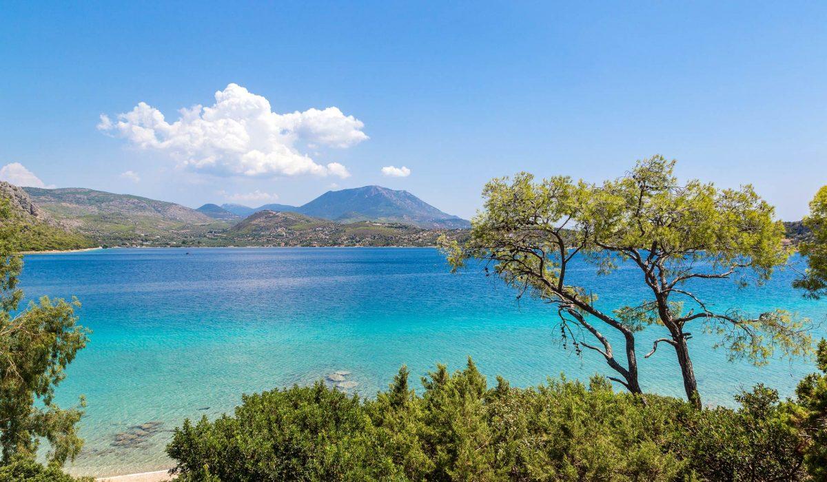 Corinto, Lago Vouliagmeni