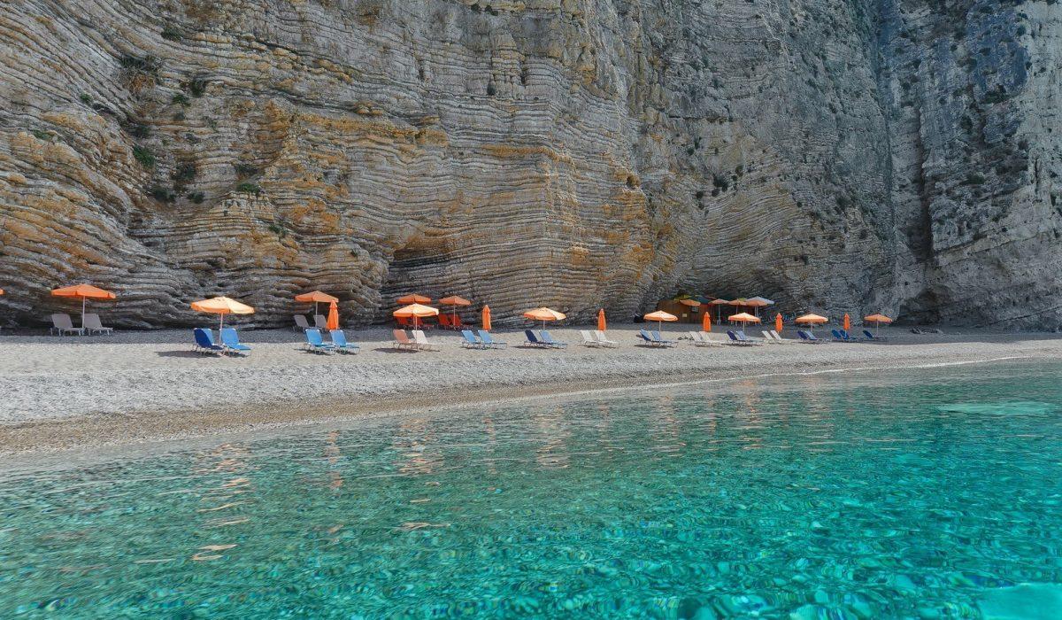 Paradise beach near Paleokastritsa from the Ionian island Corfu - Imagen shutterstock_416779663